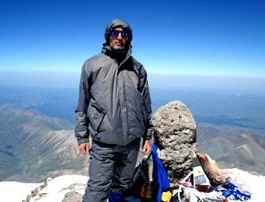 Закаливание организма. На западной вершине Эльбруса.